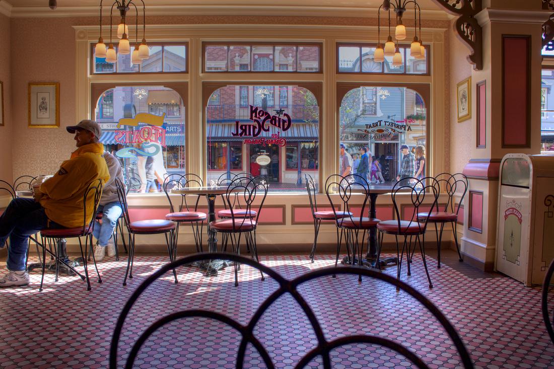 Disneyland Café